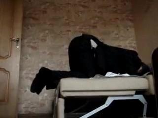 Лизни мою попку видео, русская девушка заставляет сосать член парня