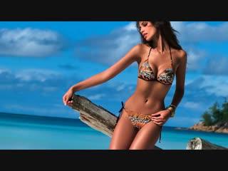 17 Девушки в бикини - Girls in bikinis
