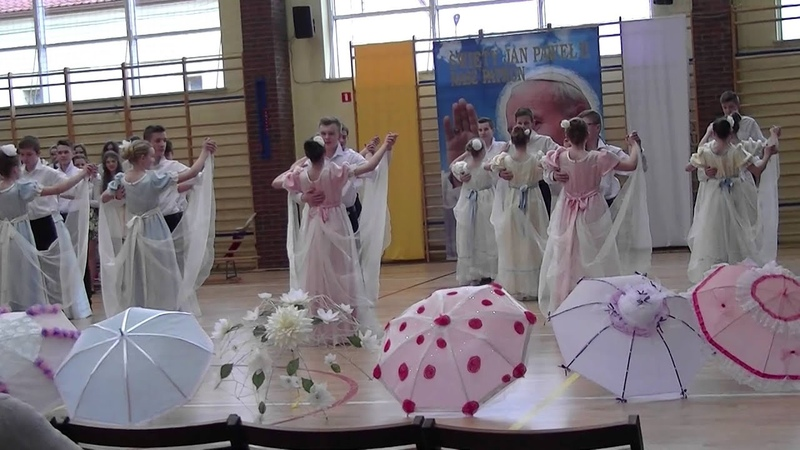 Walc z Nocy i Dni z parasolkami