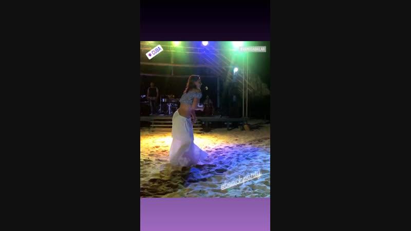 Cuba dancing 💃🏼 beachparty