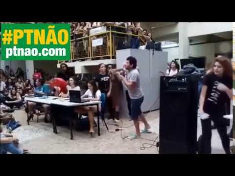 Vão estudar!, diz pedreiro pró-Bolsonaro na cara de 800 estudantes esquerdistas em assembleia