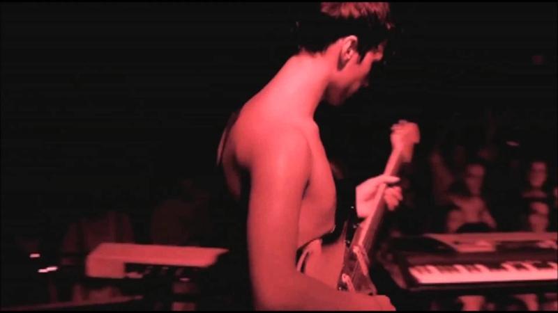 La Femme, Antitaxi (live, juillet 2013 • Mystère, Psycho Tropical Berlin).