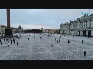 Петербуржцы оставляют первые следы на снегу