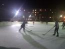 Мы все - одна хоккейная команда!Ни шпана, ни уличная банда!Игра идет - душа поет!