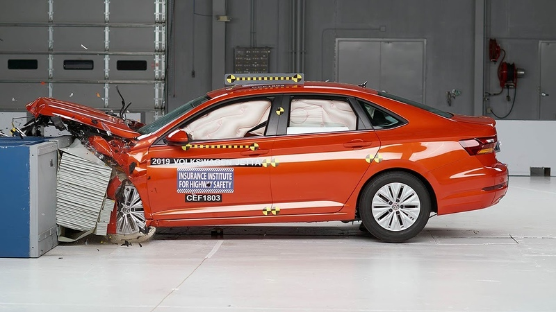 2019 Volkswagen Jetta driver-side moderate overlap IIHS crash test