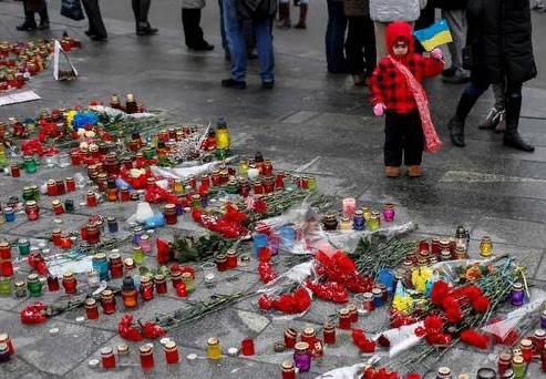 Сколько людей погибло на Украине в необъявленной войне В конце 2013 года в Киеве начался майдан. Вряд ли первые участники предполагали, к каким жертвам в будущем это приведет. Невозможно