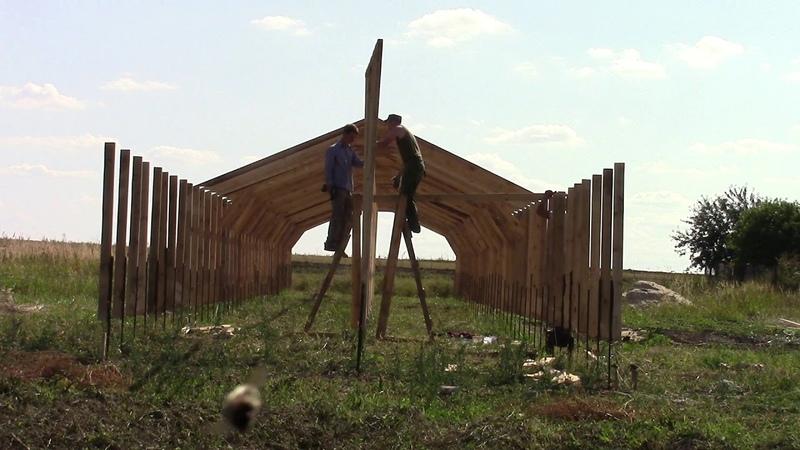 Строительство теплицы, ставим последние несколько ферм...