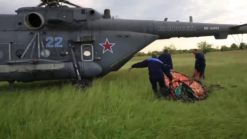 «Терминаторы» тушат пожар: кадры учений экипажей вертолетов Ми8 АМТШ