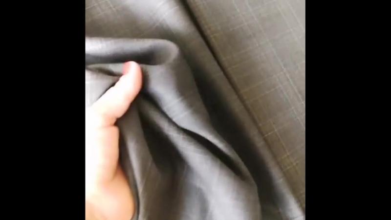 Девочки очень классная ткань. Мягкая и пластичная, не колется. Не мнется! Смотрим видео. Цвет серый. . Отрез 1.60* 1.83 Сост