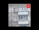 В Челябинске голый ребенок танцевал на карнизе пятиэтажки