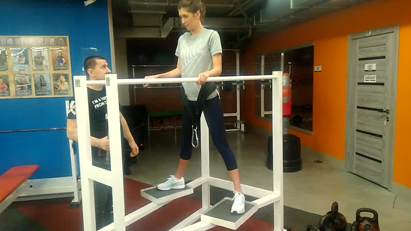 Присед в Яме в Исполнении Анны моей Ученицы Жду Вас на мои Тренировки в Фитнес Клубе Х Прайд на Чичерина 42Б фитнес traini