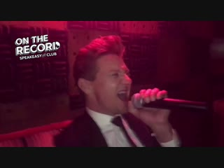 Jeremy Renner singing