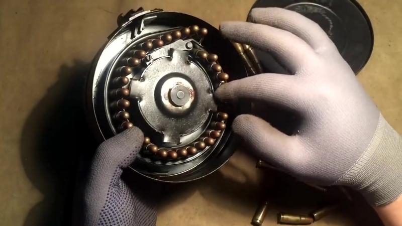 Как разобрать и снарядить дисковый магазин ППШ _ How to disassemble and load PPS