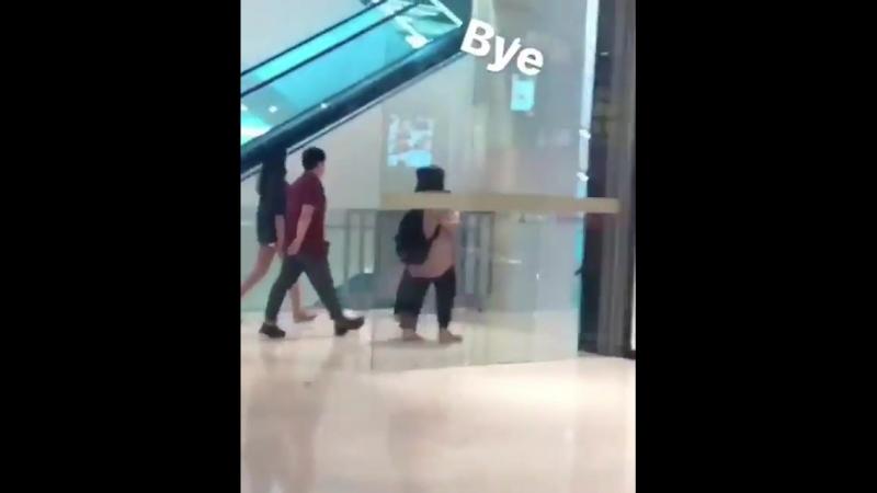 180727 Момо и Цзыюй в торговом центре в Куала-Лумпур,Малайзия. cr.jianhou_17.