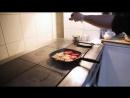 Али готовит1