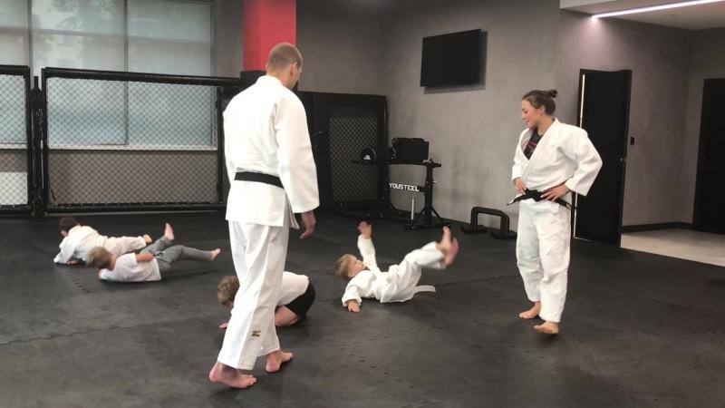 Денис Ярцев провел тренировку по дзюдо в Академии единоборств РМК