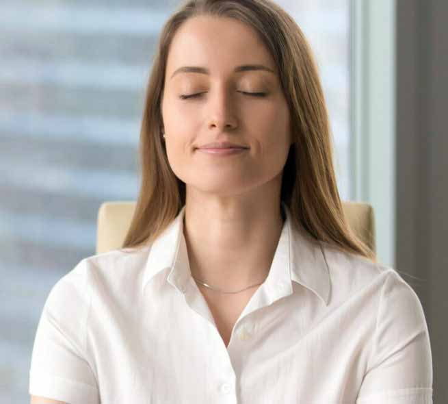 Расслабляющая медитация помогает пройти через стресс лечения бесплодия.