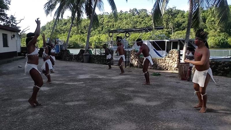 Кубинские танцы или как надо встречать туристов