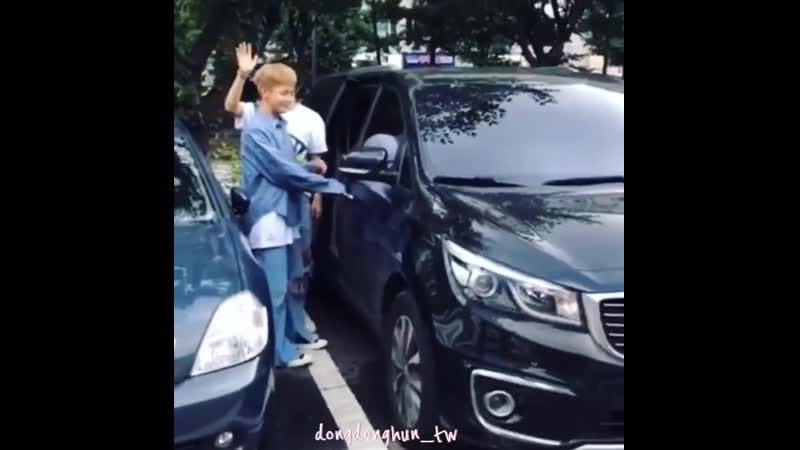 FANCAM | 06,13.07.18 | Donghun @ After Music Bank