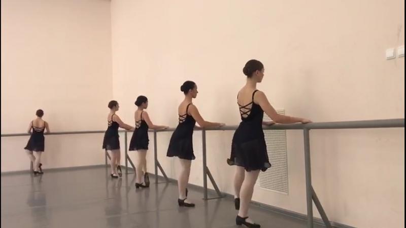 Народно-сценический танец,зачёт(2семестр- 1,2год обучения в уч.),cabriole