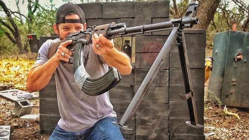 Ручной пулемет Калашникова против тюремной стены | Разрушительное ранчо | Перевод Zёбры
