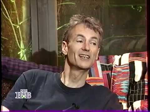 Peter Hammill at Cafe Oblomov TV programme hosted by Artemy Troitsky May 1995