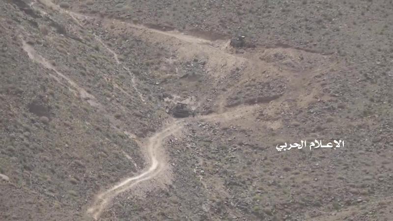 Подбитая инженерная техника хадистов в районе Нихм.