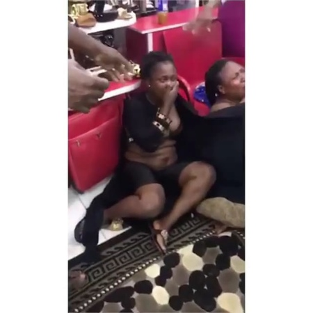 Viral video of 2 ladies strip naked for stealing at a boutique in market