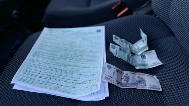 Водитель из Адыге-Хабльского района предложил автоинспектору взятку
