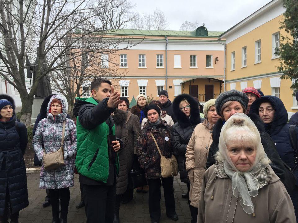 Подопечные центра соцобслуживания Савеловского района совершили экскурсию на «Добром автобусе»