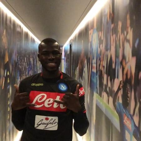 """SSC Napoli on Instagram: """"🏃🏻♂ Ultimo allenamento prima della partenza per Zurigo! 💪🏻 💙 ForzaN"""