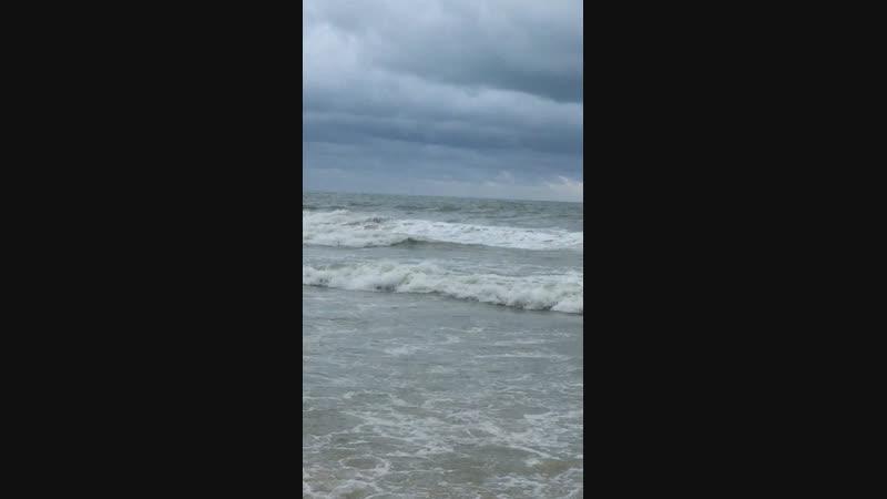 Море волнуется - раз..