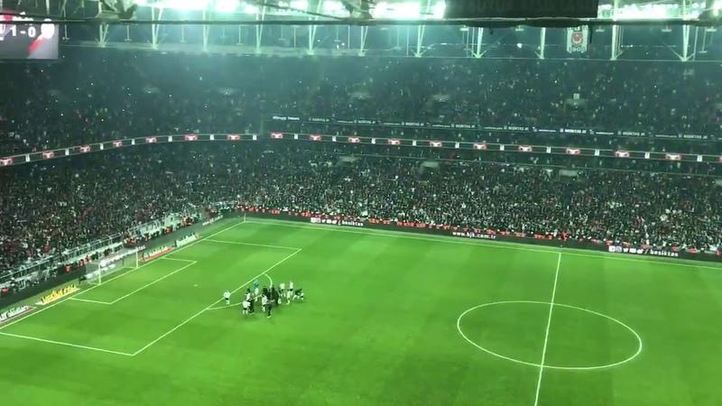 Beşiktaş Galatasaray maç sonu kına gecesi müziği çaldı Vodafone Parkta