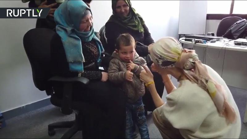 В Сирии глухой мальчик впервые услышал звуки окружающего мира