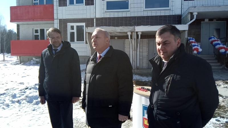 Петр Пимашков указал, что на лоджиях нет стеклопакетов