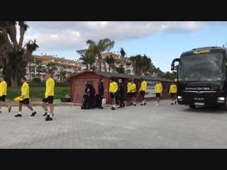 Guten morgen aus marbella! unsere profis trainieren heute morgen nicht-öffentlich, der nachmittag ist frei.