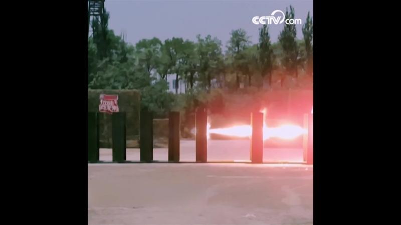 Китайский бронебойный снаряд нового типа пробивает 10 слоев стальной плиты!