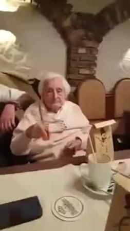 Тост самой верной бабули на свете coub