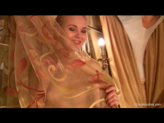 Taila mpl studios - talia - genie in a bottle. стройная девушка в беленьких шорт