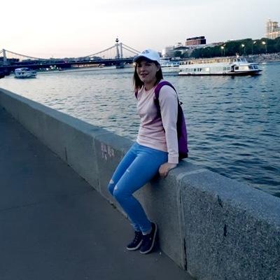 Анна Варичева