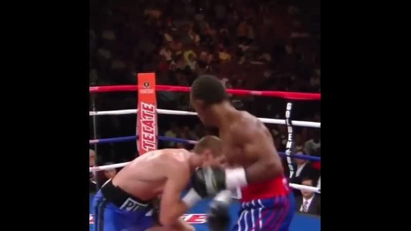 🎬Дмитрий Пирог показал Геннадию Головкину как нужно боксировать с Дэниэлем Джейкобсом 🥊