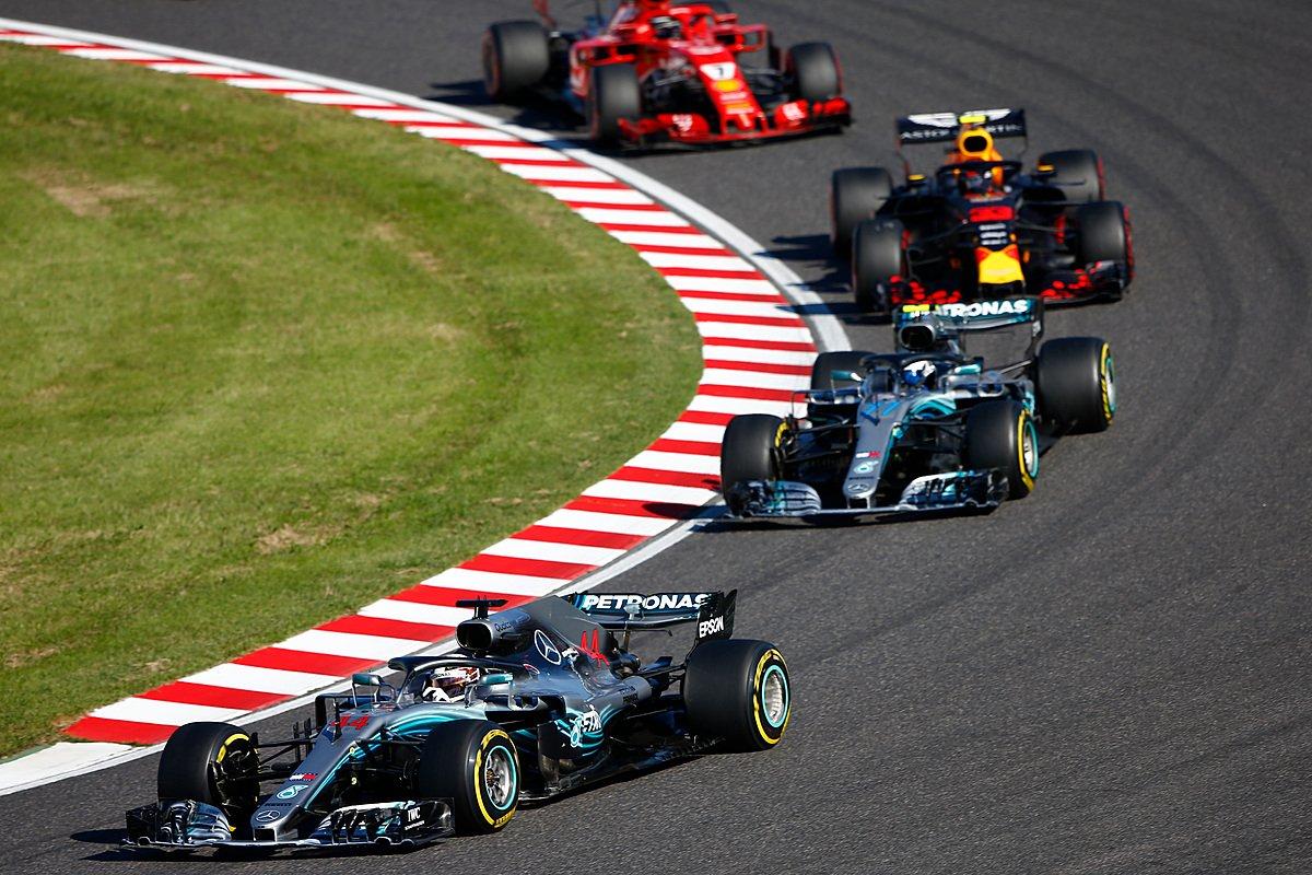 Гонщики Mercedes лидируют в гран-при Японии 2018 года