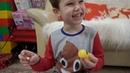 Миллион яиц с игрушками на тележке Макс и Катя ссыпали киндеры у мамы с кладовки