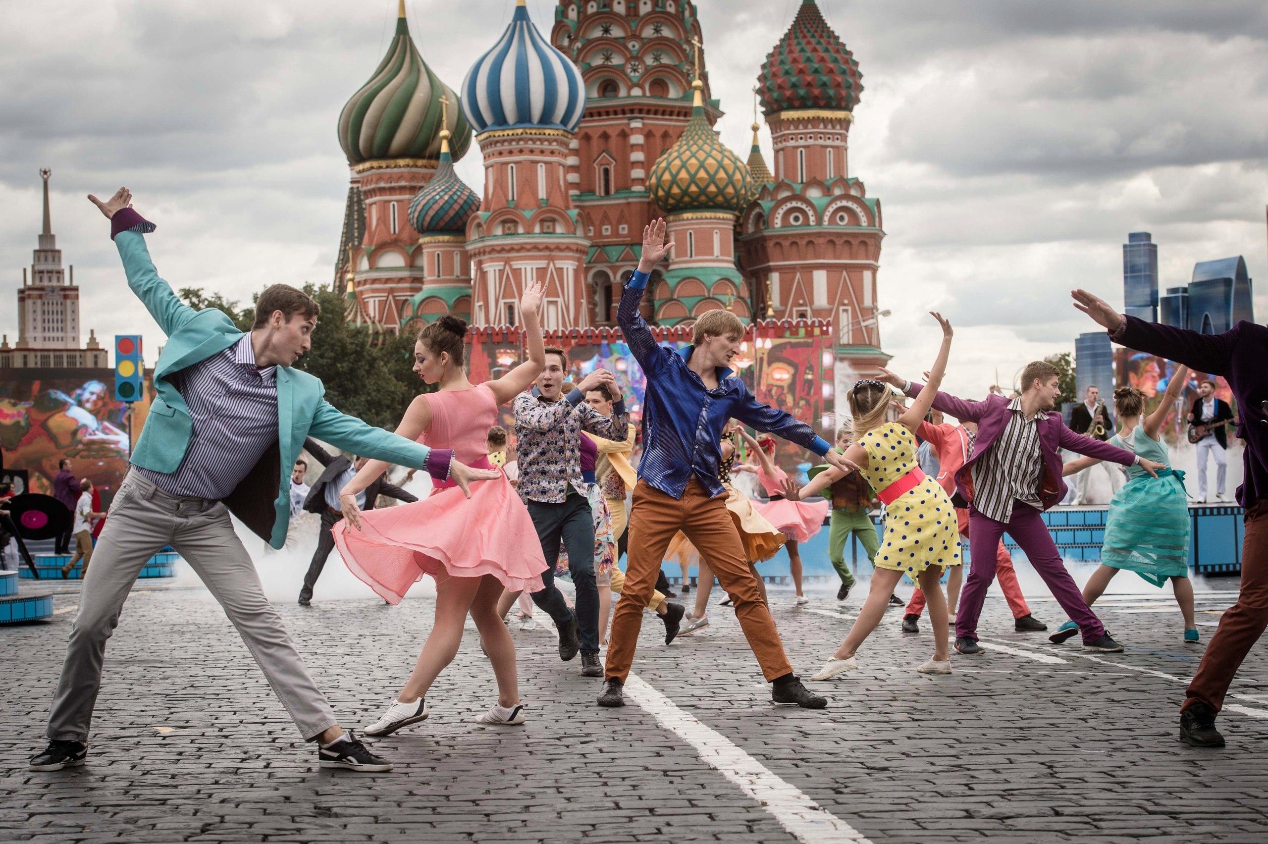 День города Москвы 2019: полная программа, где и во сколько салют, кто выступит из звезд