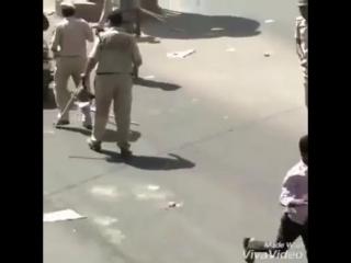 вежливая просьба полицаев не ездить втроем