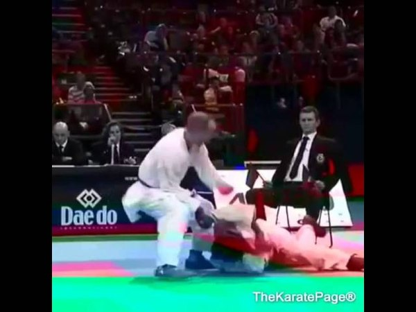 The amazing karate ashi barai