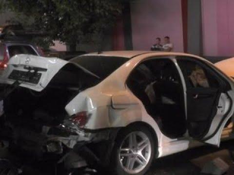 В центре Москвы столкнулись 8 автомобилей - Вести 24