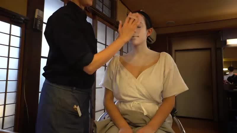 How to transform into a Geisha or Maiko Tutorial in Kyoto Japan