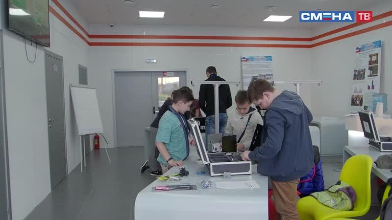 Участники профильной смены «Город мастеров» осваивают рабочие профессии в «Парке будущего»