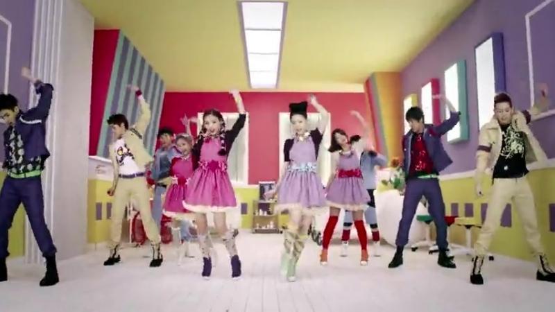 японский клип , начало так себе но песня ваще круто - но клип прикольный![[16593